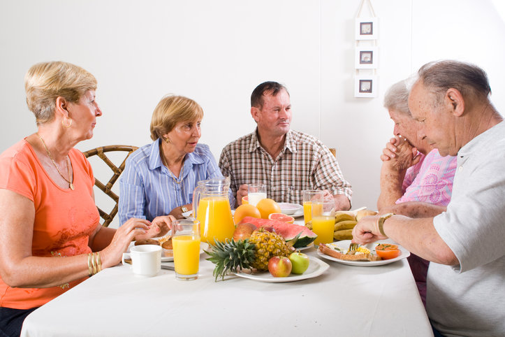 what-do-your-elderly-parents-eat-when-theyre-at-home1